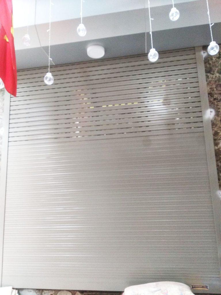 cửa cuốn austdoor siêu êm