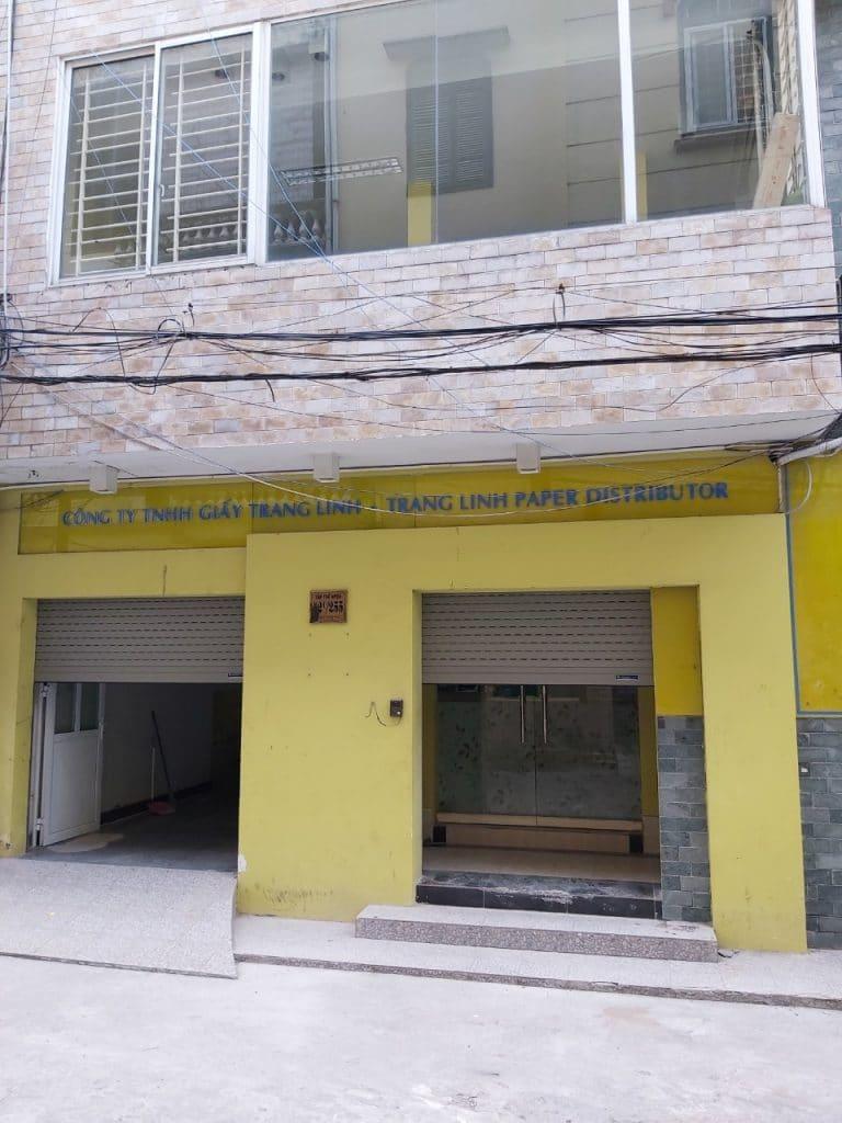 Tổng quan 2 mẫu cửa gia đình cô Thu tại Phố Vọng
