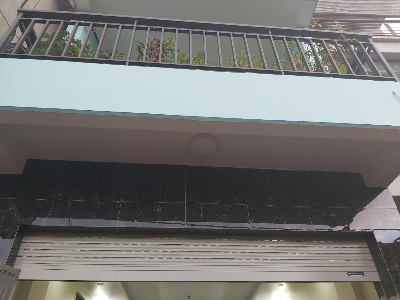 Hoàn thiện công trình cửa S52i cho gia đình anh Học Khu đô Thị Linh Đàm
