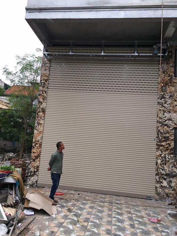 Cửa siêu thoáng C70 của khách hàng tại 99 Định Công