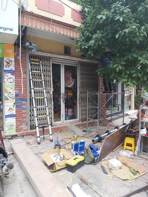Công trình cửa gia đình chị Trang (1)